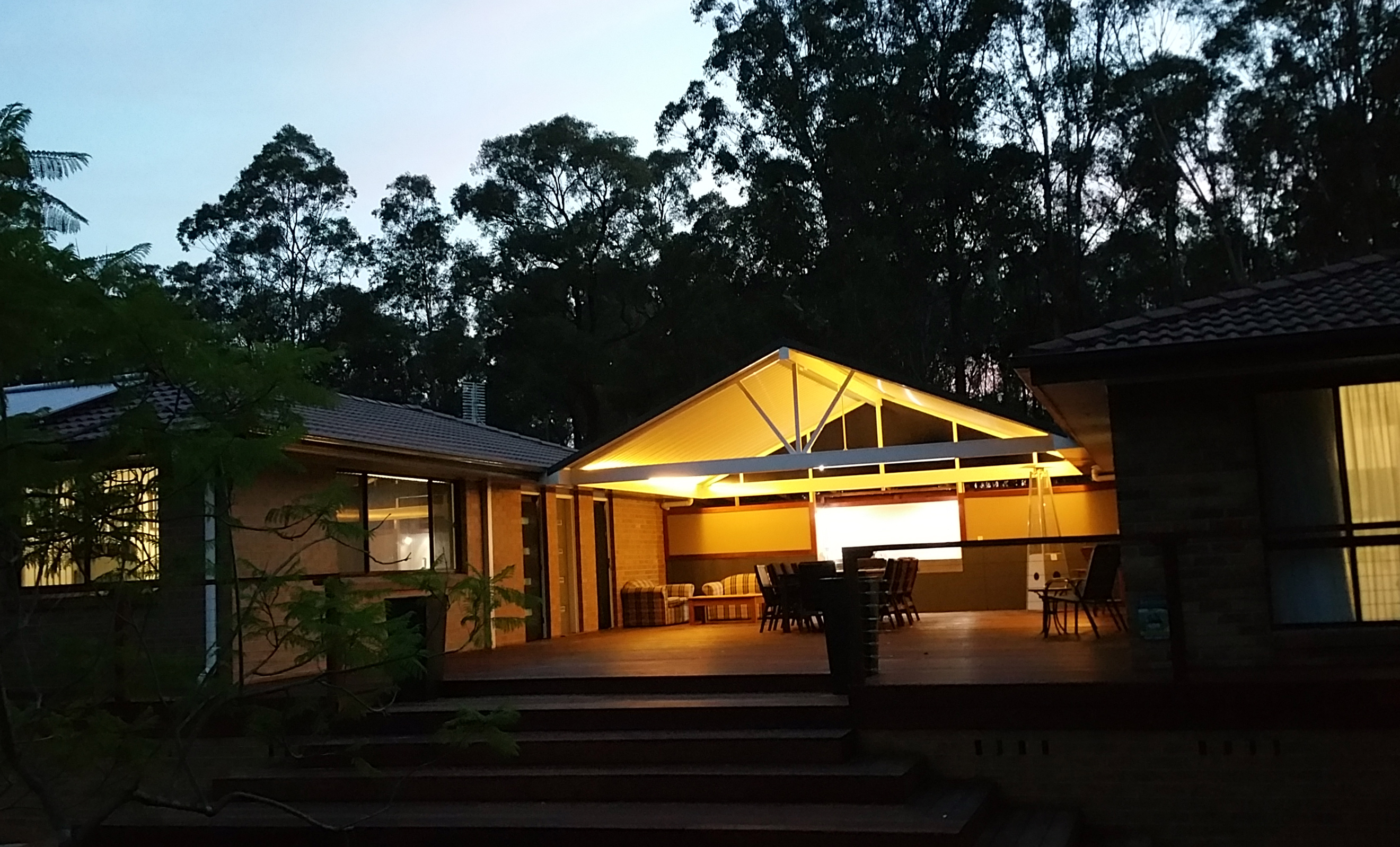 outdoor dinning in lovedale